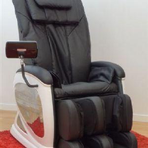 Poltrona modello Orione massaggio kneading,massaggio stretching,tapping,knocking, 15 airbag nella seduta e alle gambe vibrazione e trazione alle gambe reclinazione automatica